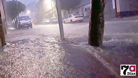 VÍDEO Tremenda tromba de agua en Alhama en media hora