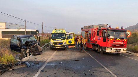 Dos hombres resultan heridos en un accidente frontal en Marrazón