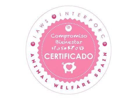 Imagen de la certificación Interporc Animal Welfare Spain, que agrupa a todas las interprofesionales de la carne bajo el sello 'Compromiso Bienestar Certificado'.