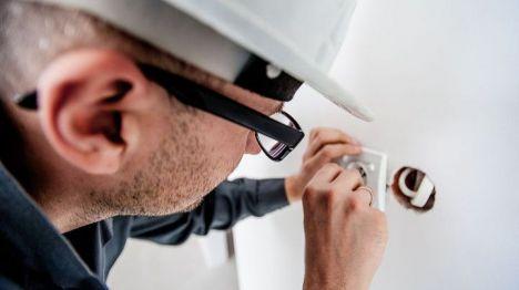 Oferta de empleo para cubrir ocho vacantes de electricista