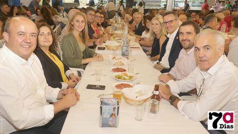 VÍD./FOT. El PSOE de Alhama celebra las fiestas con una cena