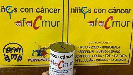 Huchas solidarias en la Feria a favor de los niños con cáncer