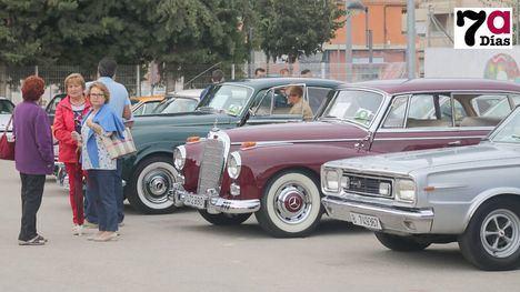 VÍDEO/FOTOS El Garage Clásico de Librilla reúne a 150 vehículos