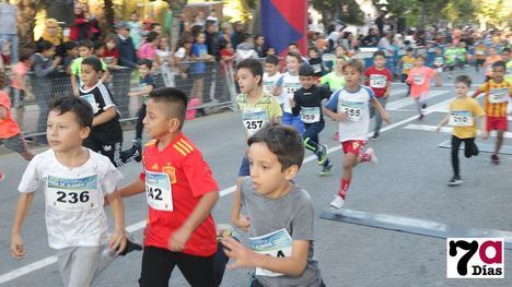 V/F Más de un millar de corredores hace grande la XIII Milla Urbana