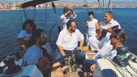 VÍDEO Malvariche inicia su aventura naval 'sin perder el norte'