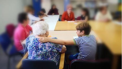 'Neuroconectados' fomenta la relación intergeneracional