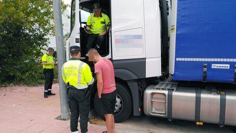 Borrachos al volante de una ambulancia y de un camión de 40 toneladas