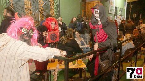 V/F Terrorífica noche en el Bar Los Olmos en la fiesta de Halloween