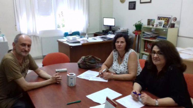 Imagen de archivo de la última reunión entre el director del IES Valle de Leiva, la presidenta del AMPA y la concejala de Educación.