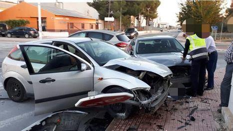 Aparatoso accidente de tres vehículos en el Poligono Industrial
