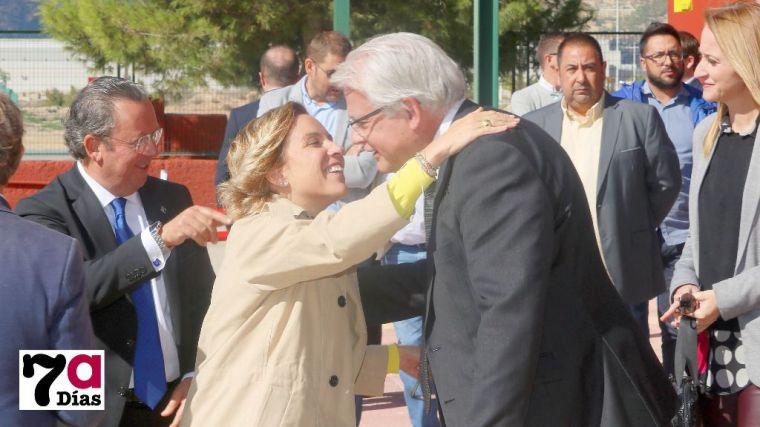 La ex consejerá de Educación, Adela Martínez Cachá, en su visita a la Fundación Laboral de la Construcción