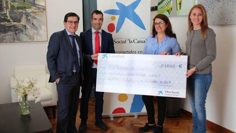 Obra Social La Caixa dona 8.000 € a Alhama para fines sociales