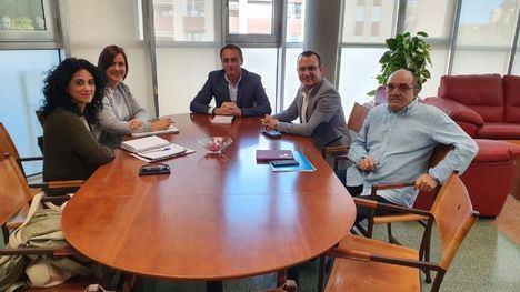 Alhama plantea revisar la financiación de Serv. Sociales a la Región
