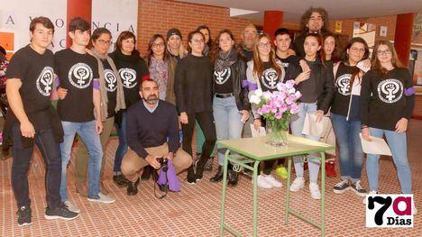El Comité Feminista del IES Miguel Hernández conmemora el 25N