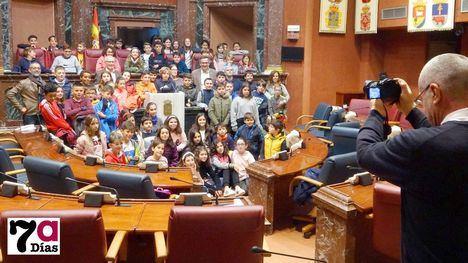 V/F Alumnos del R. Codorníu visitan la Asamblea Regional