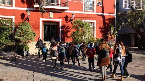 FOTOS Alumnos del Príncipe de España visitan el Ayuntamiento