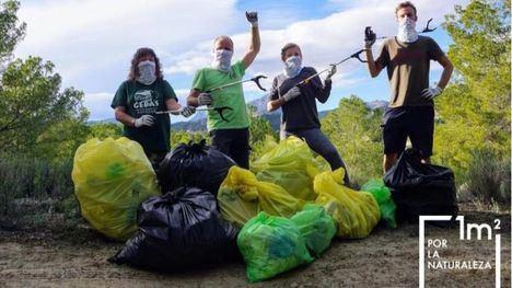 El pedáneo de Gebas y sus vecinos retiran 32,5 kilos de basura