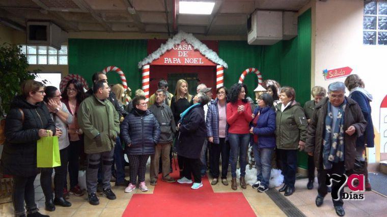 VÍDEO La Navidad ya se siente en Alhama con su mercado y Papá Noel