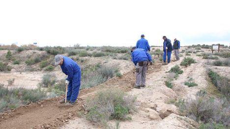 V/F Las Salinas mejoran su aspecto con tareas de mantenimiento