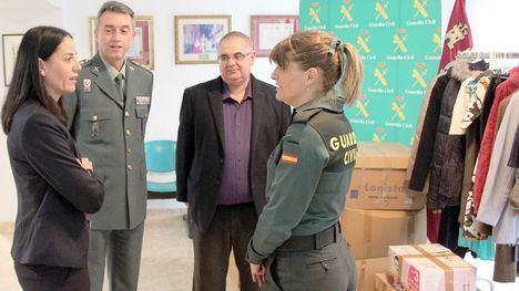 Guardias civiles donan 200 kilos de ropa para casas de acogida