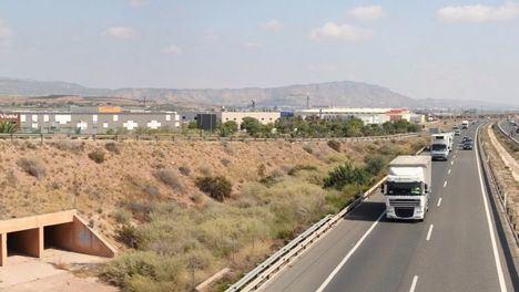 Totana insta a Fomento a que el 3º carril de la A7 no sea hasta Alhama