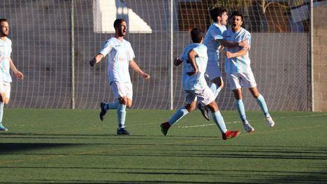 Los goles de Blasito no fueron suficientes ante el Racing Murcia (2-4)