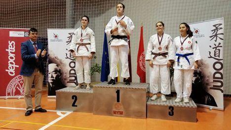 FOT. La alhameña Delia García, bronce en el Regional de Judo