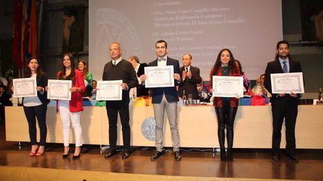 FOT. Cuatro alhameños reciben diversos premios de la UMU