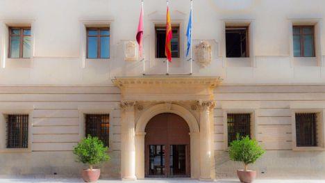 El Ministerio de Hacienda interviene las cuentas de la Región
