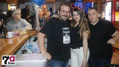 V/F Espectacular fiesta en el Bar Los Olmos por su 2º aniversario