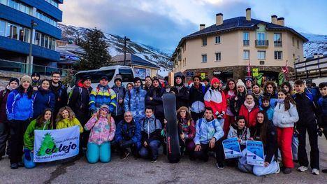 FOTOS 56 alhameños disfruta del esquí en Sierra Nevada
