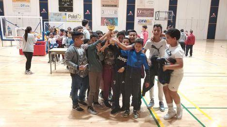 FOTOS Ginés Díaz y R. Codorníu, ganadores del basket alevín escolar