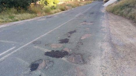 FOTOS Críticas al 'arreglo' de la carretera RM-515 este lunes