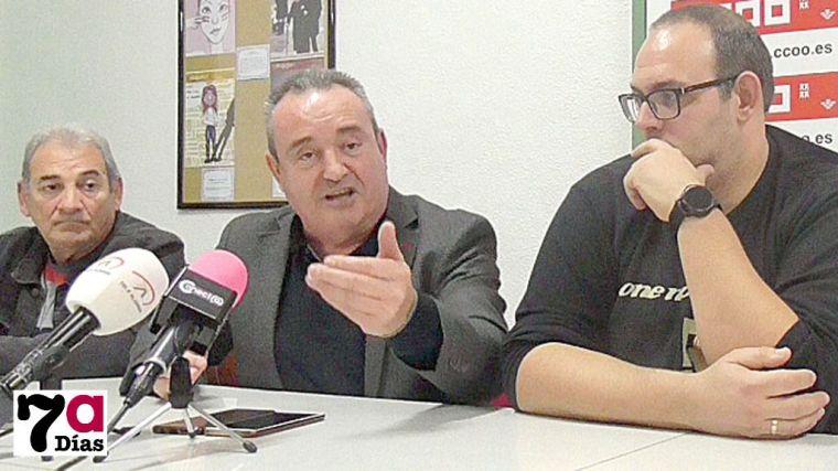 Santiango Navarro, en la rueda de prensa en la sede de CCOO en Alhama