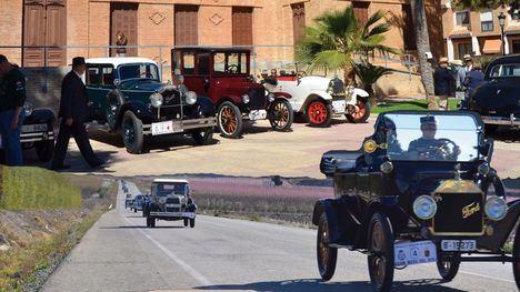 Una caravana de coches clásicos pasará por Alhama en marzo