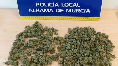 La Policía Local detiene a dos personas por tráfico de drogas