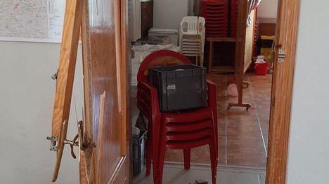 FOTOS Entran a robar en el club social de Las Cañadas
