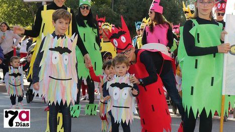 VÍDEO/FOTOS El monstruo de colores no asusta a Los Cerezos