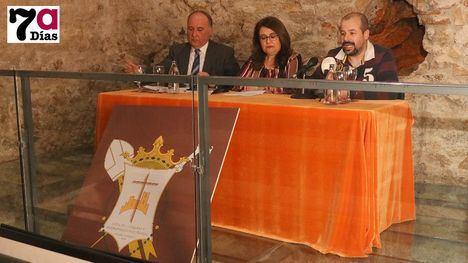 VÍDEO La Junta de Cofradías presenta su nuevo emblema
