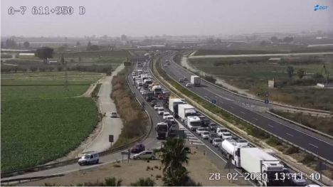 Corte total en la A7 sentido Murcia por el accidente en Totana