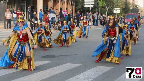 V/F La mujer maravilla conquista las calles de Alhama