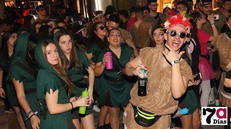 V/F Las charangas y peñas, el sello alhameño del Carnaval