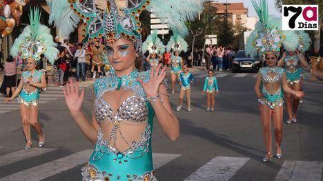 V/F El Carnaval de Alhama atrae a grupos de baile foráneos
