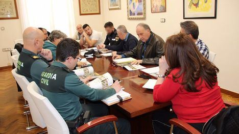 FOT. Reunión para velar por la seguridad en Semana Santa