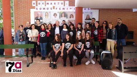 V/F Emotivo recuerdo a María Martínez en el IES M. Hernández