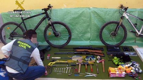 Nueve detenidos por robo en chalets y casas de campo en Alhama