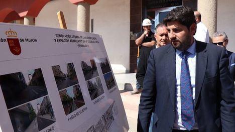 Foto de archivo de la visita del presidente López Mirás a las obras de la Avenida de Europa en Lorca en 2019