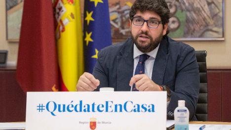López Miras pide que se prohíba cualquier actividad no esencial