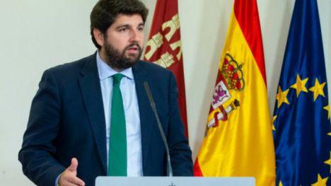 El Gobierno desautoriza a López Miras, sigue la actividad económica