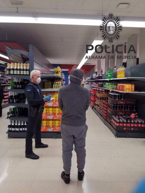La Policía Local advierte de vecinos que salen varias veces al día